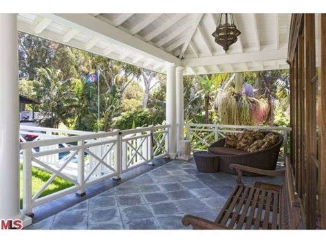 kid rock oct 13 kid rock lists malibu home for 13 45 million zillow