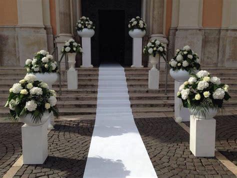 addobbi banchi chiesa matrimonio matrimonio elegante gli addobbi e la musica dal vivo in