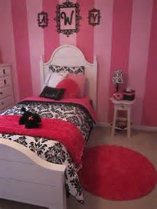 paris bedroom theme girls paris bedroom bed and rug love the stripes on the