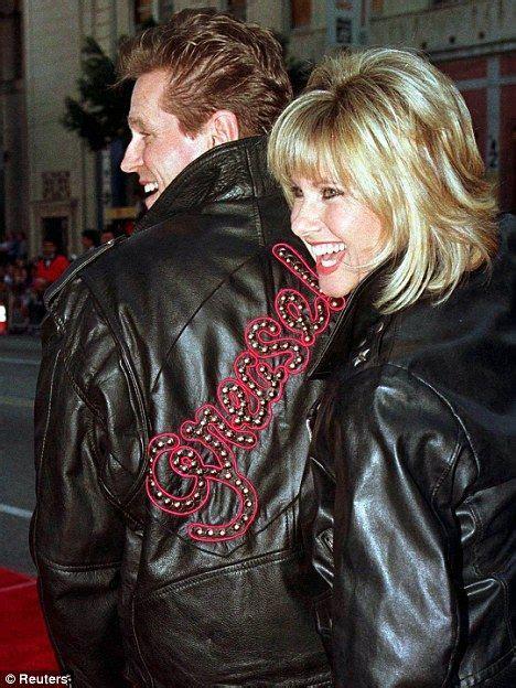 olivia newton john 1980s hairstyles olivia newton john hair style hair ideas pinterest