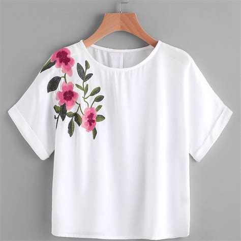 Kemeja Wanita White Floral Embroidered Shirt Size M 421362 t shirt flower embroidery shirt sleeve cropped top tshirt top white camisa