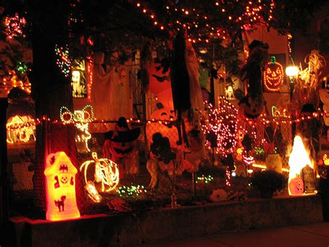 decorated homes for halloween ez decorating know how spooktacular halloween decorations