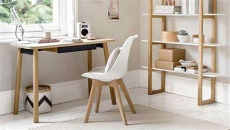 sedie in stile scandinavo