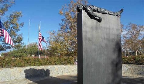 va national service help riverside national cemetery employee receives president s
