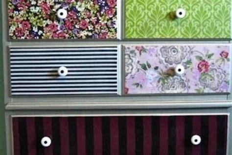 carta da parati per mobili decorare mobili con carta da parati ecco 20 idee
