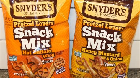 Snyders Snyders Honey Mustard 125gr snyder s of hanover pretzel snack mix buffalo wing and honey mustard review