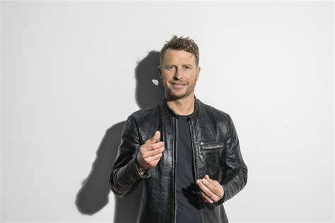 dierks bentley luke bryan dierks bentley featured in acm awards