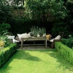 Small garden wooden table homes gardens house to home jpg