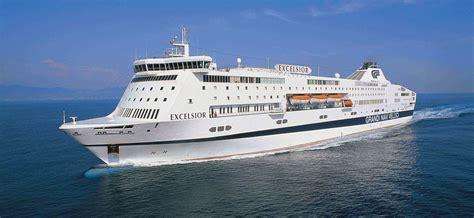 isola suprema scopri la flotta grandi navi veloci traghetto excelsior