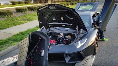 Lamborghini Aventador Inside by Lamborghini Aventador Gearbox Breaks Inside Delivery Truck