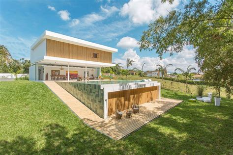 gallery house by gm arquitectos 2 homedsgn - Gallery House