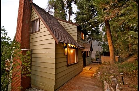 Lake Arrowhead Cabin by Side Of The Chalet