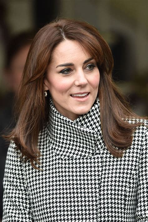 kate middleton s shocking new hairstyle kate wasn t sure about her mum fringe after going for