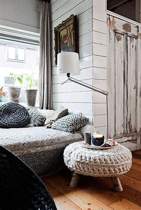 finnish home decor gebreide of gehaakte poef wooninspiratie