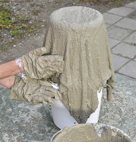costruire vasi in cemento vasi fai da te in quot stoffa quot e cemento come realizzarli
