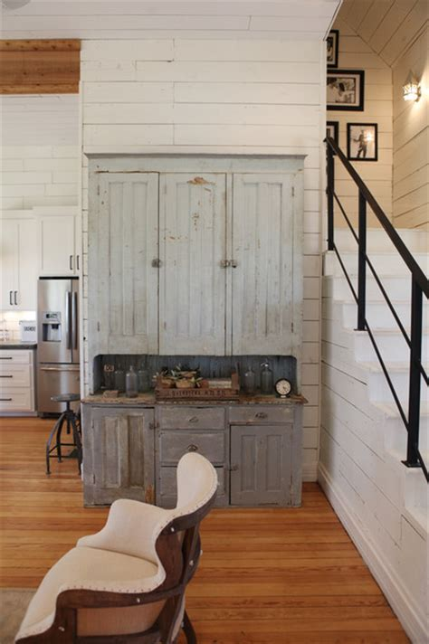 How To Paint Kitchen Cabinets Like A Pro The Farmhouse Farmhouse Living Room Other Metro By