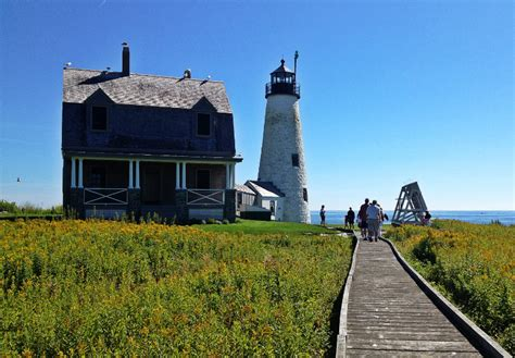Wood Island Light See The Light Take A Tour Of Wood Island Lighthouse In Saco Bay Mainetoday