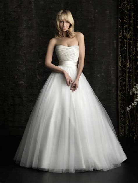 gorgeous 2013 wedding dress by allure bridal gowns classic