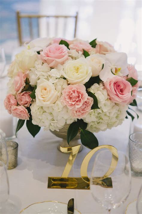 pink flower centerpieces for weddings 25 best ideas about centerpieces on