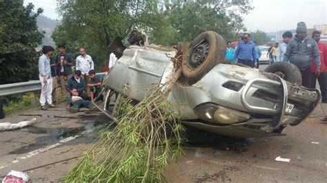 mumbai car crash 3 killed 8 injured in car crash on mumbai pune expressway