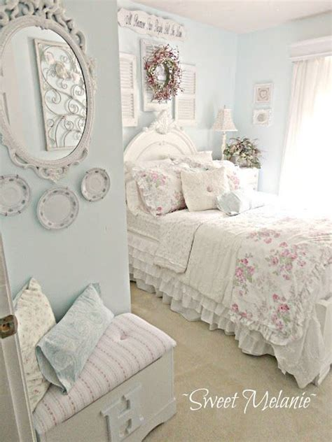 vintage chic bedroom best 25 shabby chic bedrooms ideas on pinterest