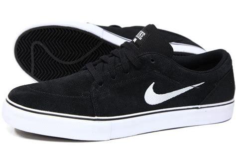 Sepatu Nike Boots Gesper Black satire black white nike shoes on the hunt