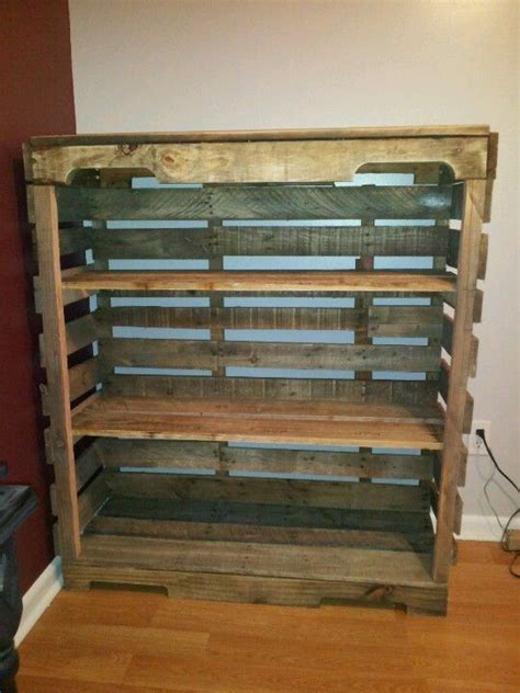 diy pallet shelf    great     porch