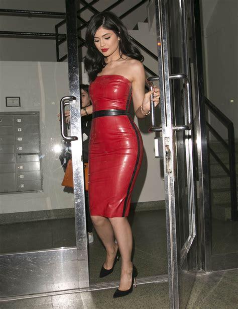 imagenes jpg en latex kylie jenner in red hot latex leaving studio in last