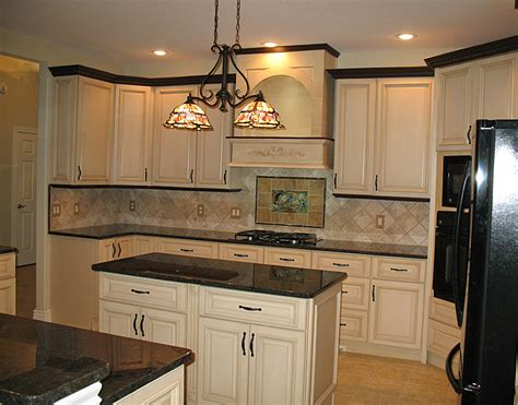 10 creative ways to update kitchen cabinets my colortopia builders show 10 easy ways to update your kitchen