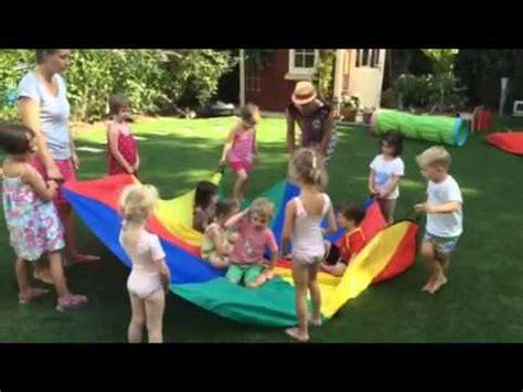 Garten Mieten Für Kindergeburtstag Berlin by Ballonspiele F 252 R Drinnen Und Drau 223 En Doovi
