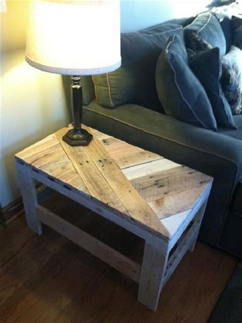how to get coffee out of a couch 25 best ideas about pallet end tables on pinterest wood