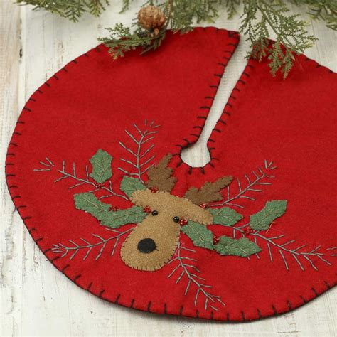 small christmas reindeer embroidered tree skirt trees