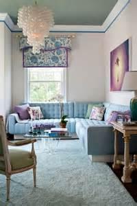 wohnzimmer in lila sala azul 16 ideias para apostar na cor casa vogue