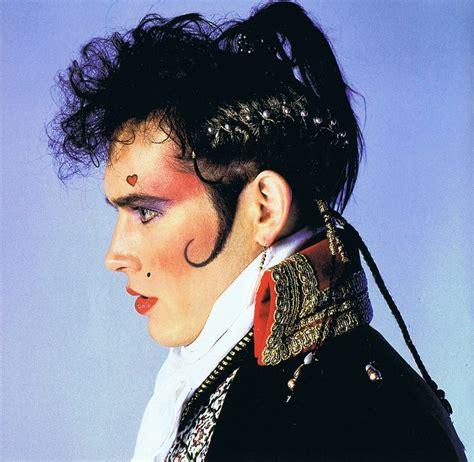 the daring fashion of the 1980s fashion