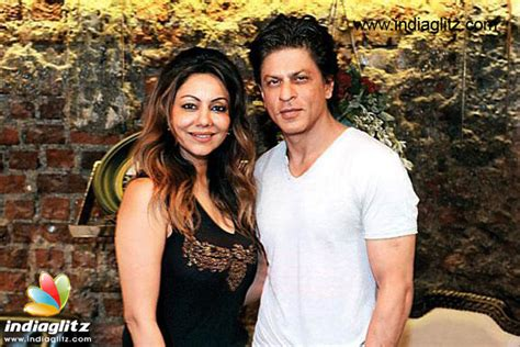 biography of gauri khan in hindi shah rukh khan spills the beans on his happy marriage