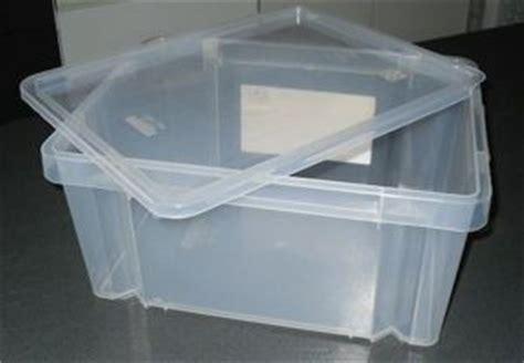 scatole di plastica per armadi dove lo butto i dubbi della differenziata la plastica