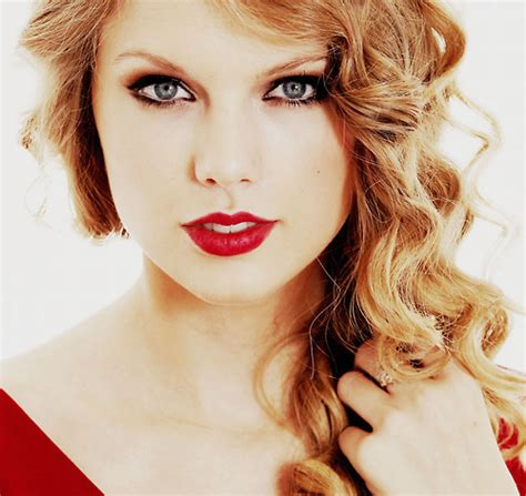 what red lipstick does taylor swift wear 2015 post a picture of taylor wearing red lipstick taylor