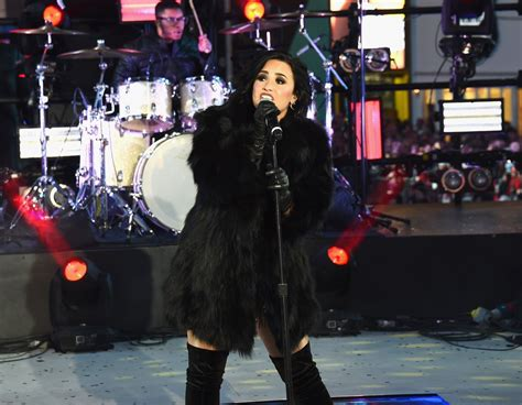 new year fashion square demi lovato performing in times square ny new year s