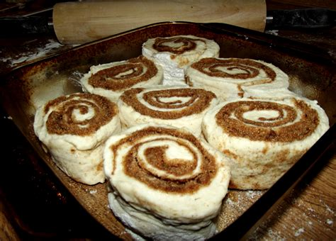and easy cinnamon rolls with no yeast