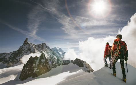 climbing mountains can cause psychosis researchers say time