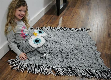 Crochet Owl Blanket Free Pattern by Crochet Owl Hooded Blanket Tutorial Included