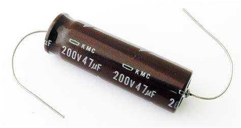 que es un capacitor axial tocadiscos rayson dual 410 p 225 2