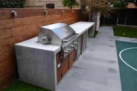 barbecue fixe fonctionnel et esth 233 tique dans le jardin