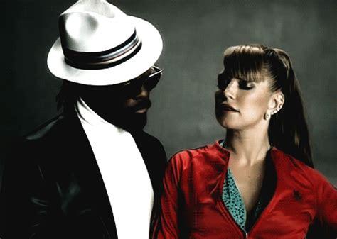 My Lovely Goldenbleu Humps by Black Eyed Peas Letra Traducida Hd 1080p 4k Foto