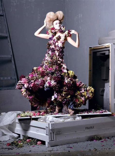 Fashion That Made You Think In 2007 by Dresses Made Up Of Real Flowers You Didn T