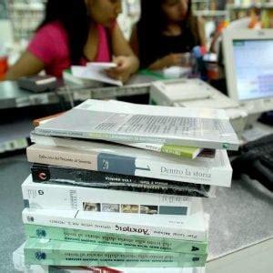 librerie usato palermo stangata libri di testo 300 nei licei di palermo