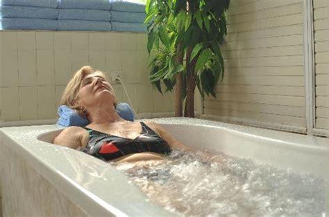 pearl bathtubs pearl bath picture of hotel jelak lukovska banja lukovo tripadvisor