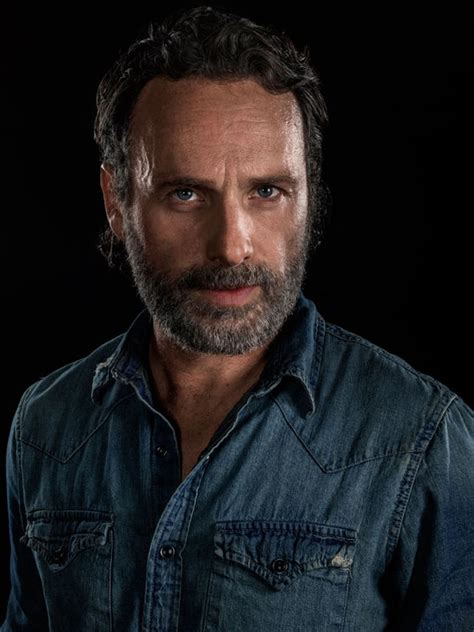 andrew lincoln rick grimes the walking dead season 8 andrew lincoln to quit rick