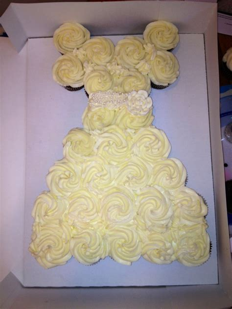 pull apart cupcake cake for bridal shower pull apart wedding shower cupcakes accomplished my