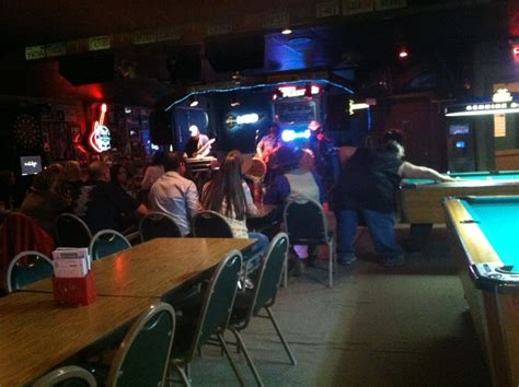 sports bars lincoln ne rosie s sports bar grill traditional american